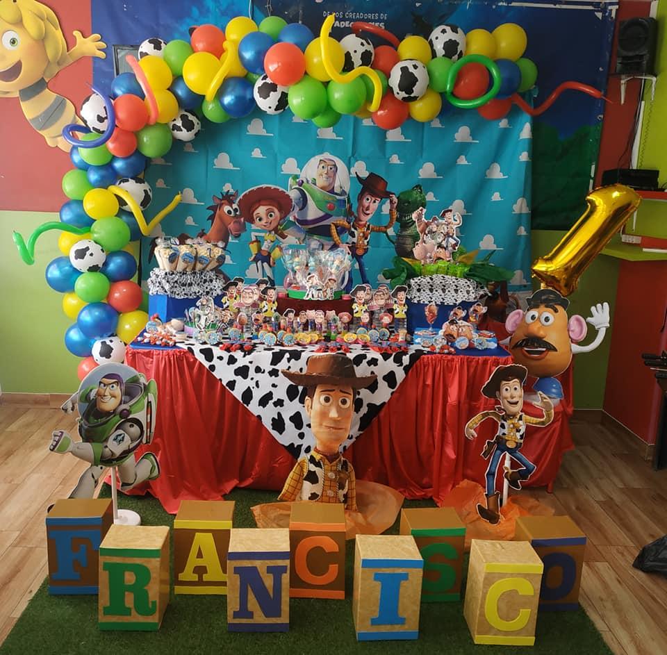 Decoración de mesas de Toy Story en Málaga