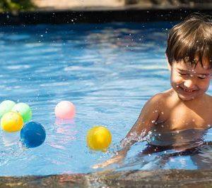 Cumpleaños infantil en piscina.