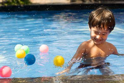 Cumpleaños infantiles en pisicina con juegos de agua en Inacua