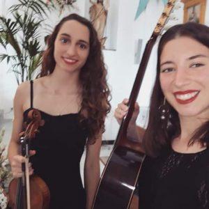 Dúo À Piacere, guitarra y violín.