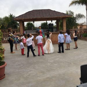 Dely's Party -Jugando
