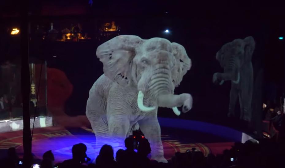 Holograma de un elefante en un circo sin animales
