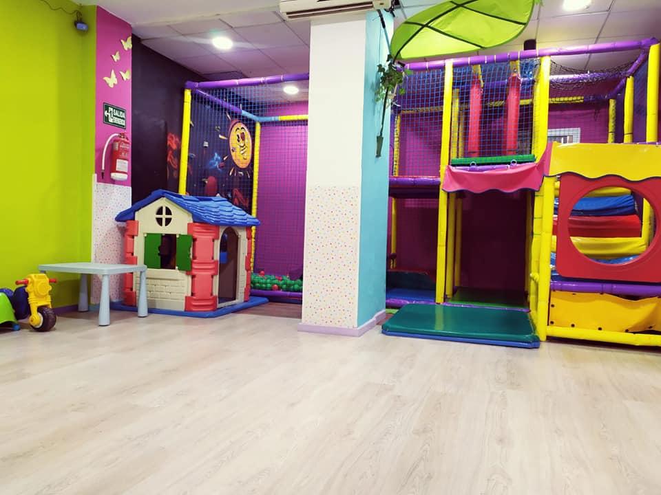 Local para fiestas infantiles en Málaga Enanos Park