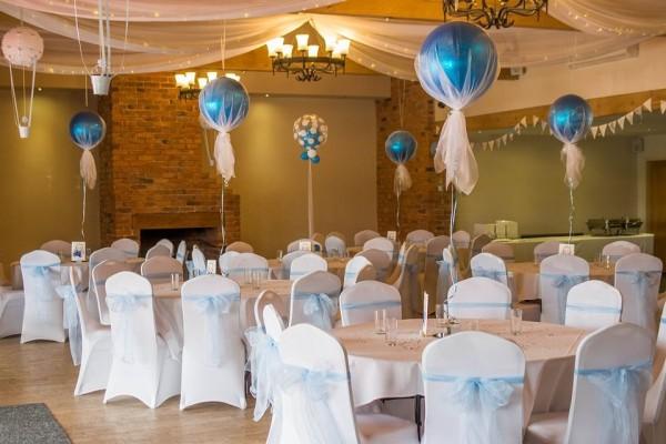 Mesa de comunión con globos Mesas Infantes
