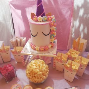 Detalles mesa dulce unicornio.