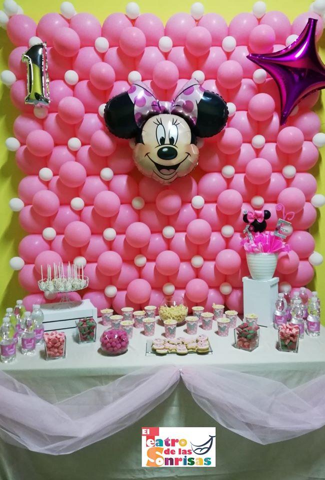 Mesa dulce de Minnie Mouse para fiesta infantil en Málaga