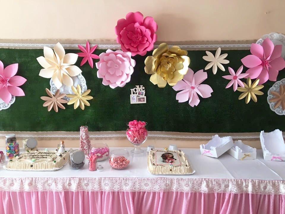 Mesa dulce de flores.