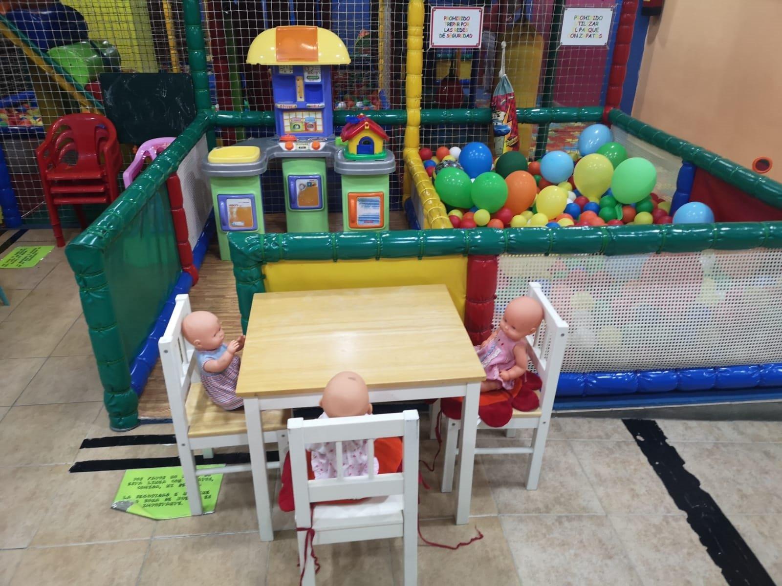 Parque infantil con cafeteria Fuengirola con zona para bebés.