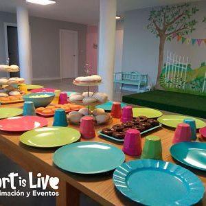Comedor para fiestas infantiles en Local Cerrado Calderón.