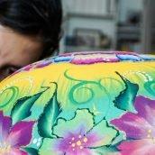 Pintando barriga embarazada en Málaga